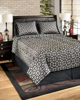 Maze Contemporary Onyx Fabric 4 Piece Queen Bedding Set