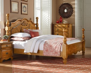 Georgetown Traditional Honey Pine Wood King Poster Bed