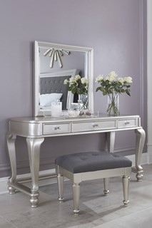 Wondrous 442 Modern Bedroom Makeup Vanity Sets By The Classy Home Dailytribune Chair Design For Home Dailytribuneorg