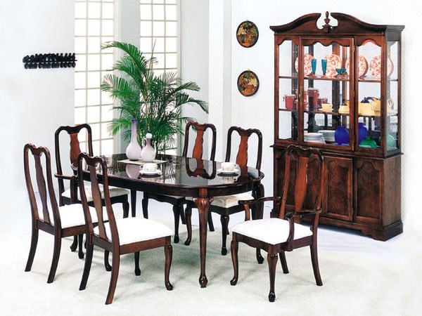 Queen Ann Cherry Wood 7pc Dining Room Set | The Classy Home