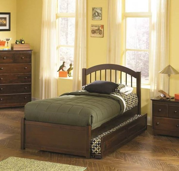 Windsor Antique Walnut Twin Bed w/Footboard & Raised Panel Trundle AP9426014