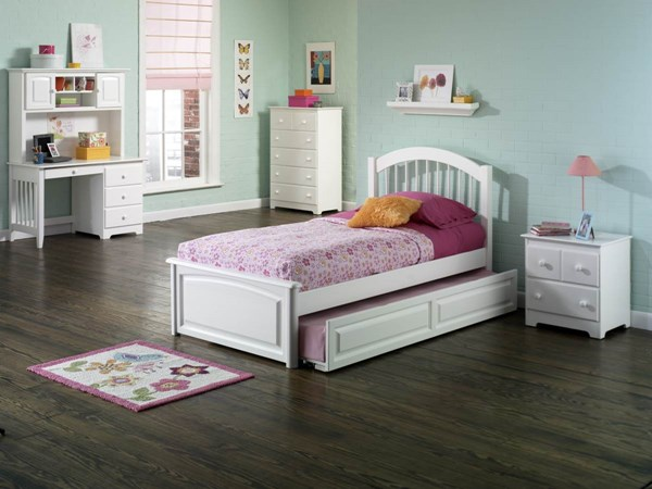 Windsor White Solid Wood Beds w/Raised Panel Foot Board & Trundle AP94240-W