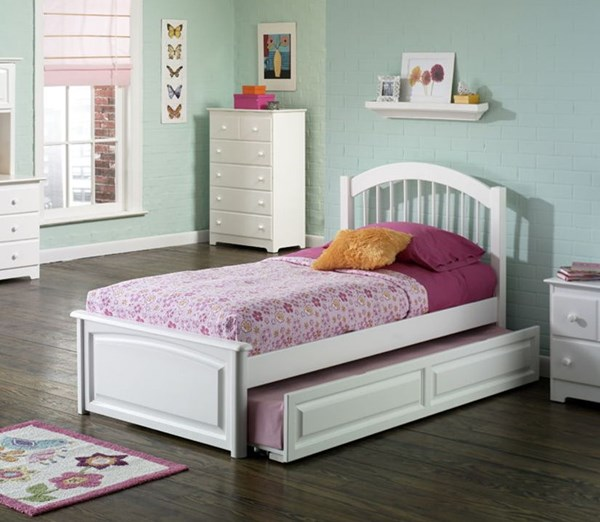 Windsor White Full Bed w/Open Foot Rail & Panel Footboard AP9431002-FB
