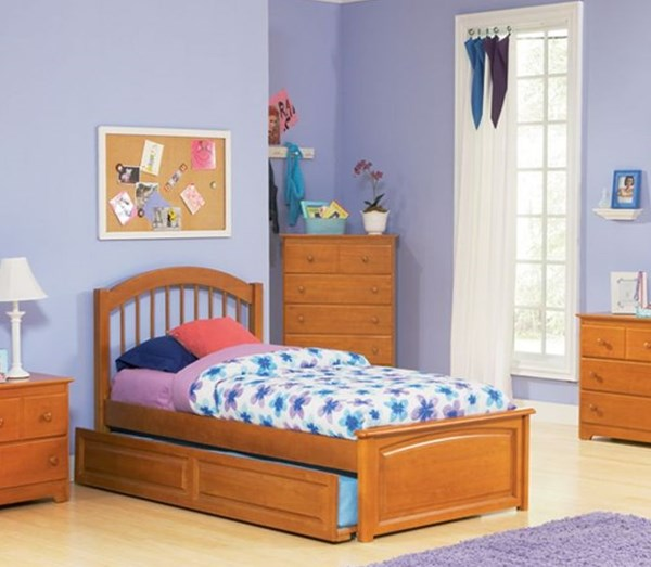 Windsor Natural Maple Wood Twin Bed w/Raised Panel Footboard & Trundle AP9424015