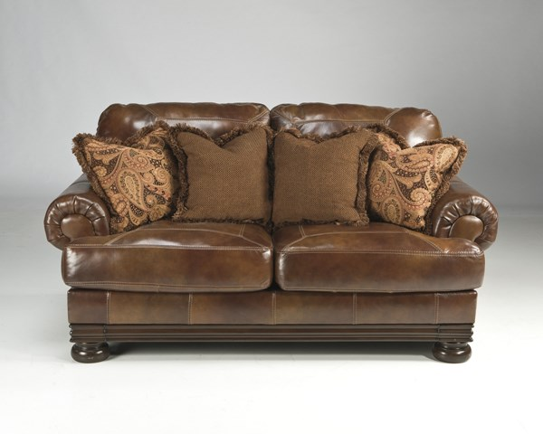 Hutcherson Traditional Harness Leather Loveseat 2110035