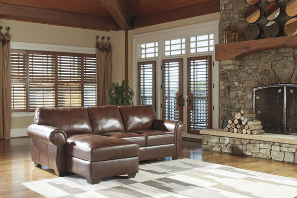 Lugoro Traditional Saddle Leather Wood Sectional W/LAF Loveseat 5060217-SEC3