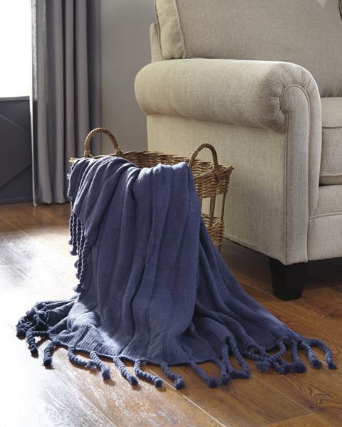 Clarence Vintage Casual Navy Throw (3/CS) A1000612