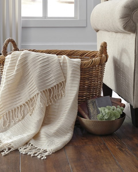Mendez Vintage Casual Off White Throw A1000615T