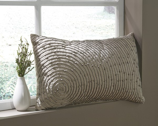 4 Ashey Furniture Solon Natural Fabric Rectangle Pillows A1000672
