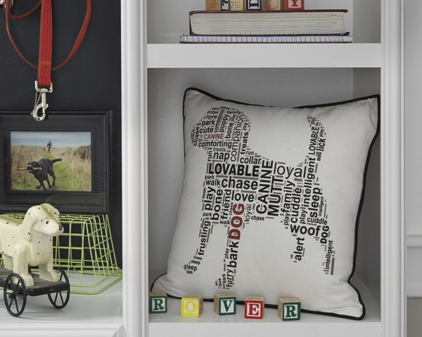 4 Beals Youth White Black Fabric Scripted Pillows A1000694