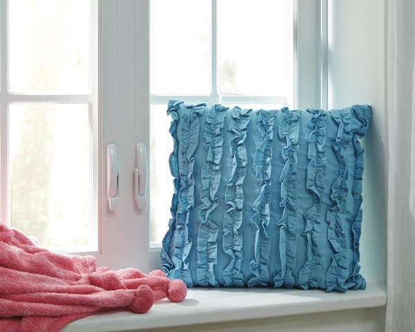 4 Ruffin Youth Turquoise Machine Washable Pillows A1000707
