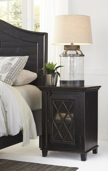 Charlowe Casual Black Wood Door Night Stand B013-191
