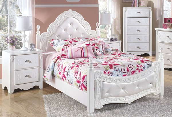 Ashley Furniture Exquisite White 2pc Bedroom Set with Full Poster Bed
