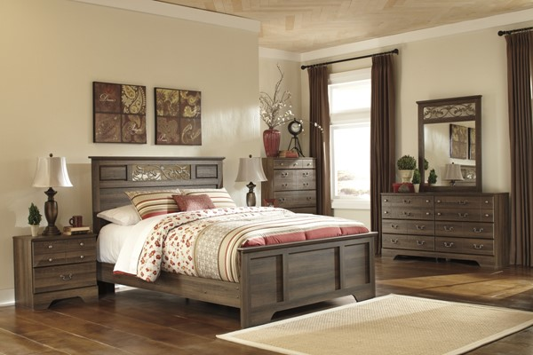 Allymore Brownish Gray Wood Queen Panel Rails B216-98