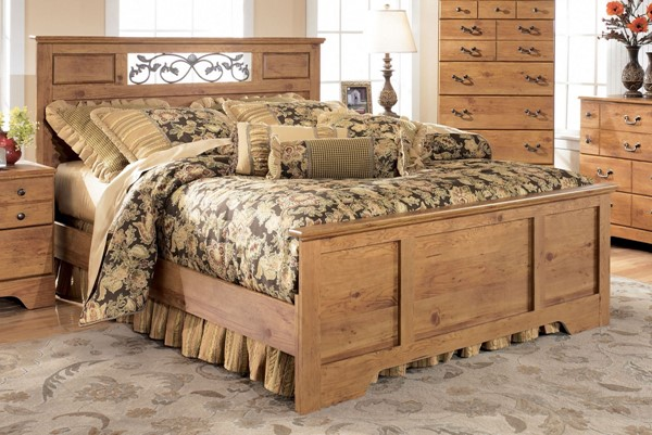 Bittersweet Cottage Replicated Pine Wood Queen/Full Panel Footboard B219-51