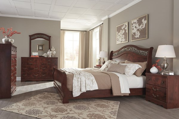 Delianna Traditional Reddish Brown Wood Master Bedroom Set B223-BR