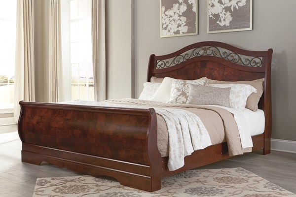 Delianna Traditional Reddish Brown Wood King Sleigh Footboard B223-76