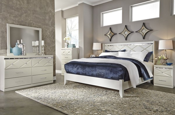 Dreamur Contemporary Champagne Wood 2pc Bedroom Set W/King Panel Bed B351-KUPNL-BR-S2