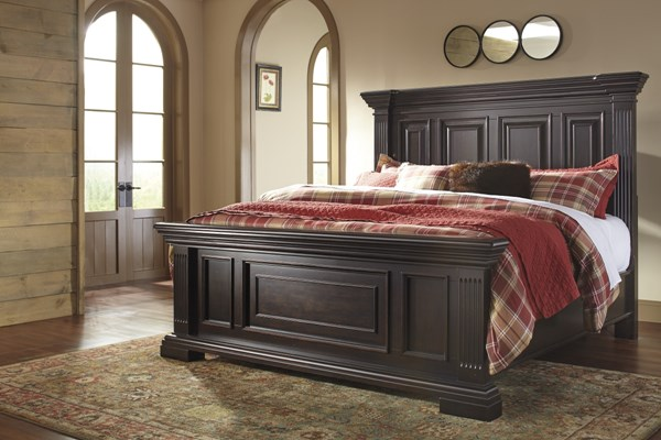 Willenburg Casual Dark Brown Solid Wood King/Cal King Panel Footboard B643-56