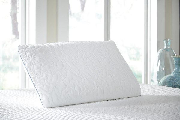Ashley Pillow Traditional Classics White KG Ventilated Pillow (2/CS) M82505