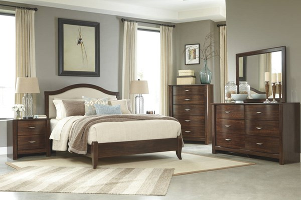Corraya Brown Wood 2pc Bedroom Set W/Queen Upholstered Panel Bed B428-QUPNL-BR-S1