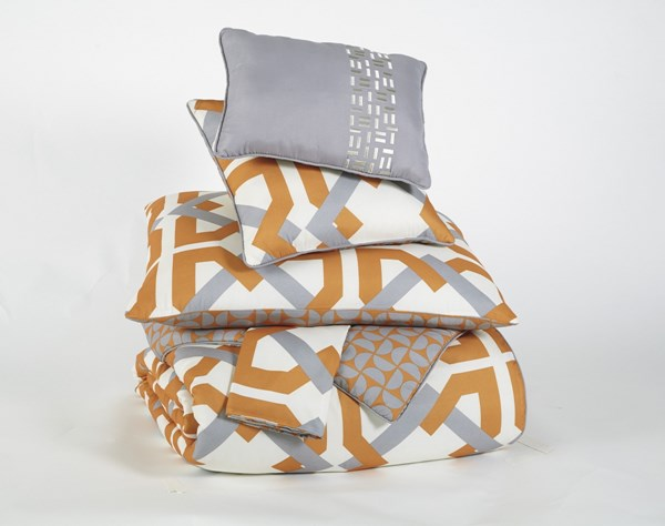 Zaya Transitional Orange Fabric King Comforter Set Q441005K