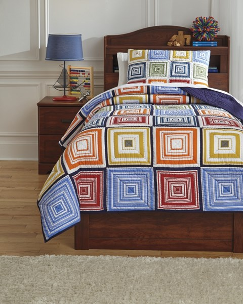 Tazzoni Youth Fabric Hand Quilted Twin Coverlet Set Q744001T