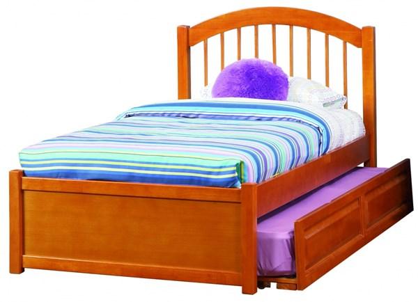 Windsor Caramel Flat Panel Footboard & Raised Panel Trundle Twin Bed AP9422017