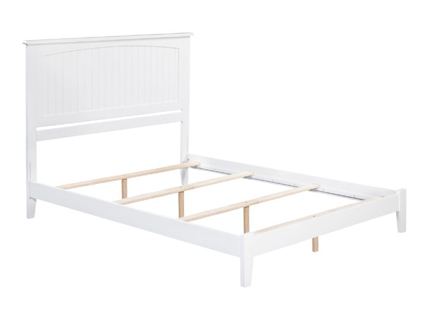 Atlantic Furniture Nantucket White Traditional King Platform Bed AR8251032