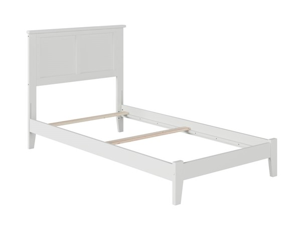 Atlantic Furniture Madison White Traditional Twin XL Bed AR8611032