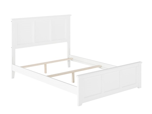 Atlantic Furniture Madison White Queen Bed with Matching Foot Board AR8646032