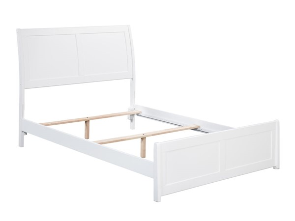 Atlantic Furniture Portland White Traditional Full Bed with Matching Foot Board AR8936032