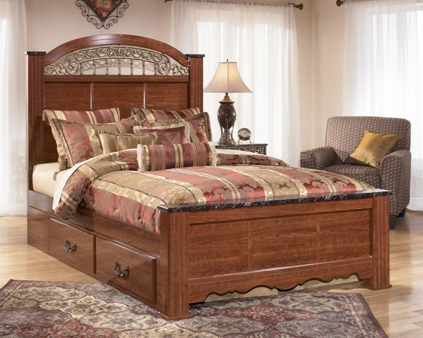 Fairbrooks Estate Traditional Reddish Brown Wood Under Bed Storage B105-60