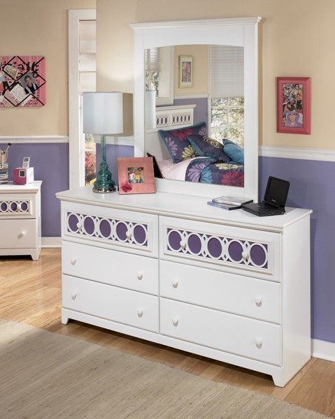 Zayley Replicated White Paint Dresser And Mirror B131-DM