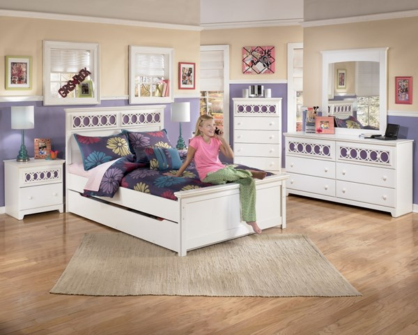 Zayley Replicated White Paint 2pc Bedroom Sets B131-S