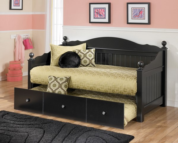 ashley furniture jaidyn black day bed with trundle panel the classy home. Black Bedroom Furniture Sets. Home Design Ideas
