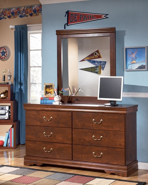 Wilmington Traditional Replicated Cherry Grain Wood Dresser And Mirror B178-DM