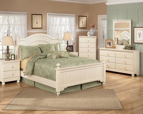 Ashley furniture cottage retreat 2pc bedroom set with queen poster bed the classy home Cottage retreat bedroom set