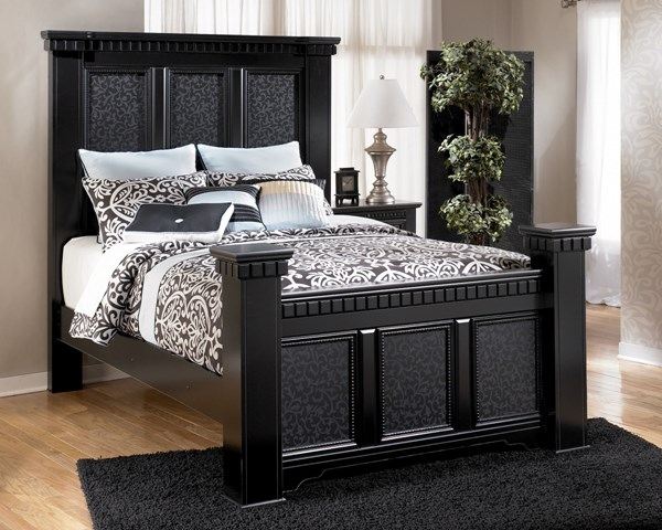 Cavallino Traditional Black Wood Queen Bed B291-QB