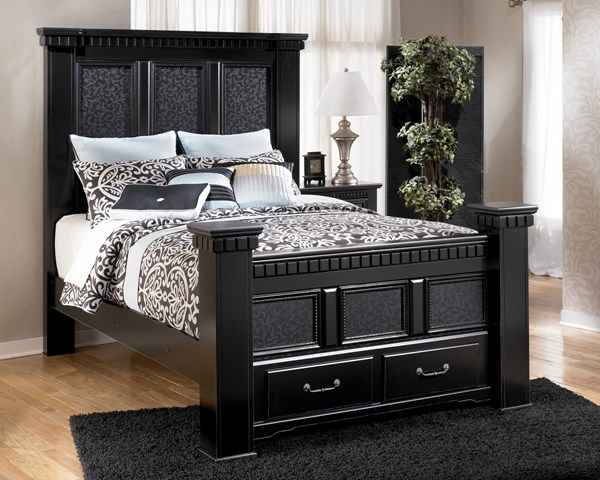 Cavallino Traditional Black Wood Queen Storage Bed B291-QBS