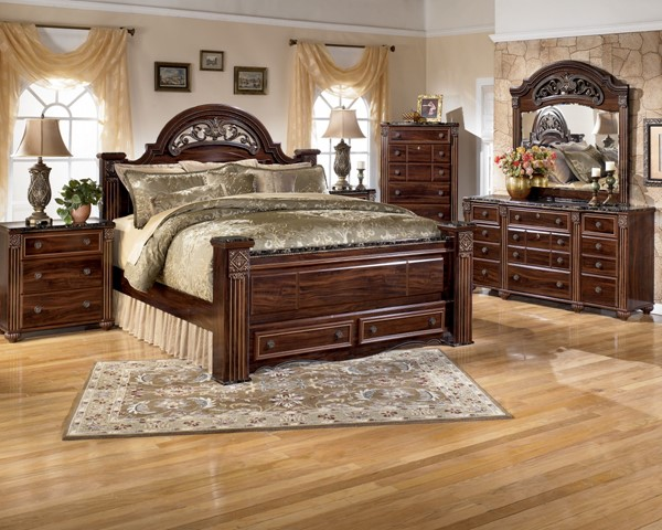 Gabriela Traditional Dark Brown Wood Master Bedroom Set B347