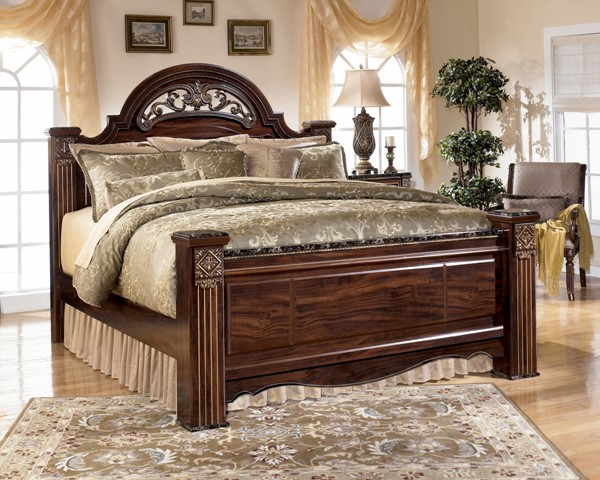 Gabriela Traditional Dark Brown Wood King Poster Footboard B347-66
