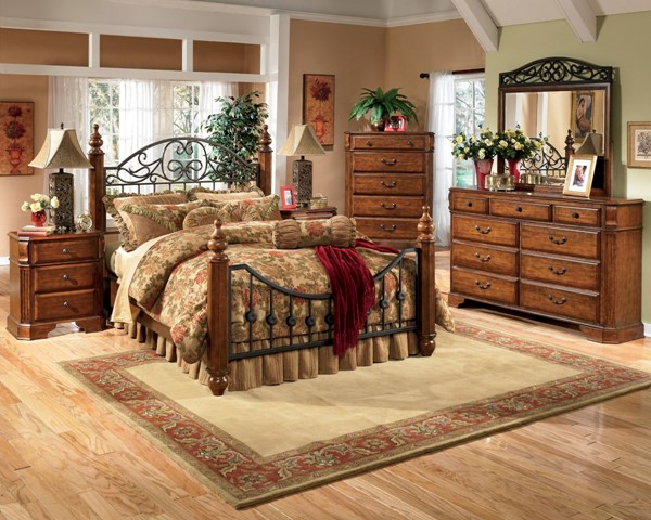 Wyatt Traditional Brown Cherry Wood 2pc Bedroom Set W/King Post Bed B429-Set2