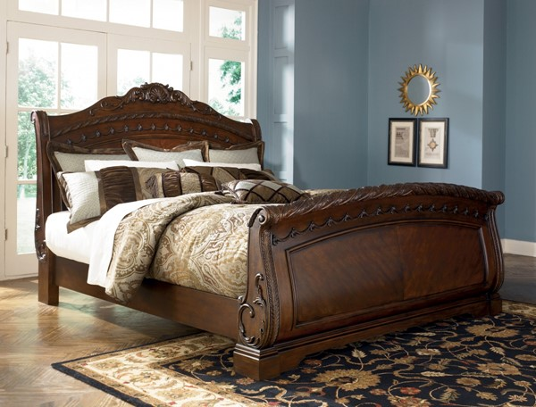 North Shore Traditional Queen Sleigh Bed B553-SQBED-VAR