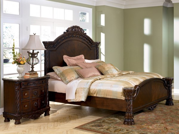 North Shore Traditional Dark Brown Wood Bed B553-BedP