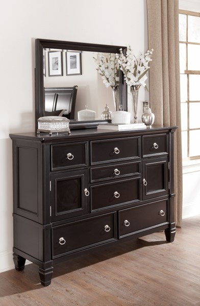 Greensburg Cottage Black Wood Drawer Dresser B671-31