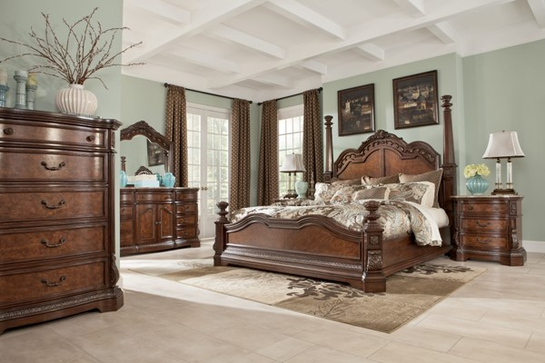 Ledelle Traditional Brown Wood Glass 2pc Bedroom Set W/King Poster Bed