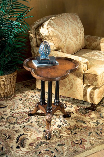 Connoisseur Traditional Mahogany Clover Leaf Pedestal Table bsf-0357090