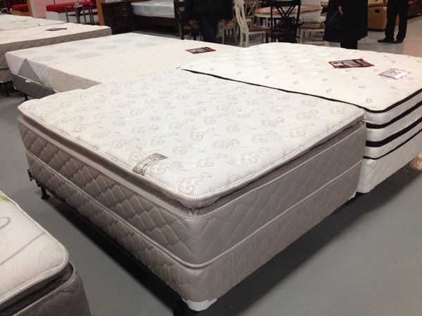 Comfort Bedding Beautiful Rest Foam Encased Pillowtop Soft Twin Mattress and Box M9040-2