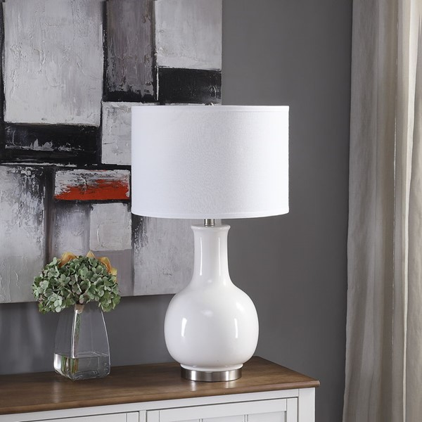 Crestview Collection White Ceramic Metal Table Lamp CRST-AP2206WHSNG